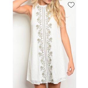 Polagram Sleeveless White Lace Embroidered Dress
